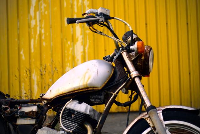 放置されたバイク