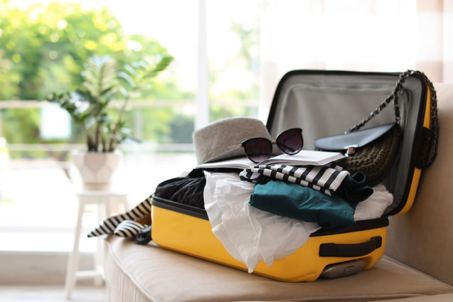大きなスーツケースの捨て方や業者に依頼する際の費用相場