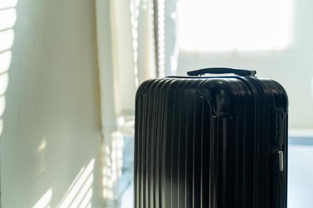 黒のスーツケース